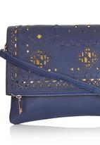 STYLE REPUBLIC - Cut-out Detail Clutch Navy