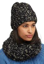 edit - Snood & Beanie Set Black