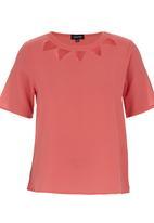 c(inch) - Lazer-cut T-shirt Coral