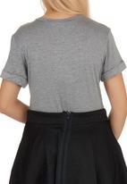 c(inch) - On Fleek T-shirt Grey