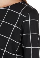 c(inch) - Boxy T-shirt Black/White Black and White