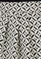 Spree Designer - Printed high waisted midi skirt Black and White