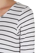 c(inch) - T-shirt with Cuffs Black/White Black and White