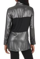 STYLE REPUBLIC - Inset Shirt Black