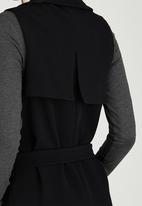 STYLE REPUBLIC - Sleeveless Soft Trench Black