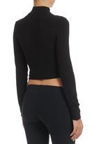c(inch) - High-neck Crop Top Black