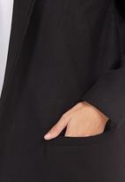 c(inch) - Cocoon Coat Black