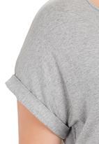 edit - Basic longer length tee Mid Grey