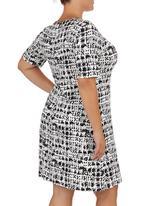 edit - Viscose Tunic Black/White Black and White