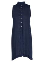 STYLE REPUBLIC - Sleeveless Slit Shirt Navy