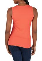 Passionknit - Scoop Neck Sleeveless Vest Coral