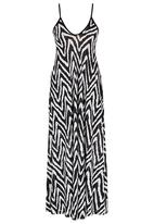 Jo Champ - Zig-zag Flared Maxi Black and White