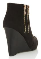 Madison® - Wedge Ankle Boots Black