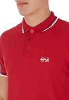 Crosshatch - Krylax Golfer Red