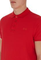 Crosshatch - Core Golfer Red