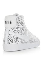 Nike - Nike Blazer Sneaker with Print Black and White