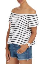 c(inch) - Off the Shoulder Blouse Black and White