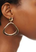 edit - Hammered Effect Drop Earrings Gold