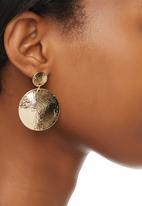 edit - Hammered Disk Drop Earrings Gold