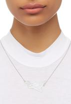 STYLE REPUBLIC - Flying Bird Necklace Silver