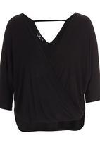 STYLE REPUBLIC - Cross Over T-shirt Black