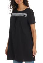 edit - Embroidery Tunic Black