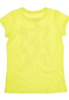 Converse - T-Shirt With Sneaker Print Yellow