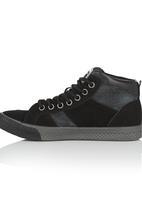 Cutty - Suade Hi-Top Sneaker Black