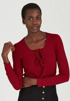 c(inch) - Tie Front Top Red