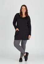 edit Plus - Tunic with Pocket Detail Black