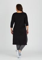 STYLE REPUBLIC PLUS - Side Slit T-shirt with 3/4 Sleeve Black