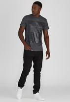 Lee  - Lines T-Shirt Dark Grey
