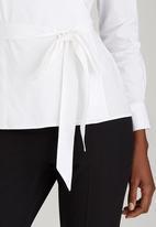 edit - Structured Wrap Shirt White