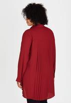 STYLE REPUBLIC PLUS - Pleated Back Shirt Dark Red