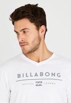 Billabong  - Unity V Short Sleeve T-Shirt White
