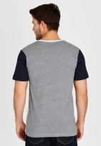 Billabong  - Rounder Contrast Short Sleeve T-Shirt Multi-colour