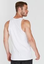 Quiksilver - Classic Fit Vest White