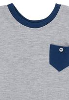 Luke & Lola - T-Shirt with Contrast Pocket Grey Melange