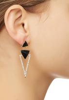 STYLE REPUBLIC - Tiered Triangle Drop Earrings Gold
