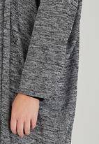 RUFF TUNG - Cacoon Overlay Grey