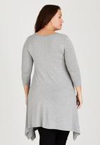 edit Plus - Hanky Hem Tunic with 3/4 Sleeve Grey