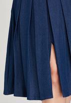 STYLE REPUBLIC PLUS - Denim Pleat Skirt Blue