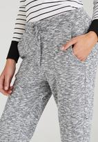 c(inch) - Casual Joggers Pale Grey