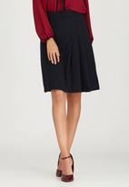 edit - Woven Three-pleat Skirt Black and Blue