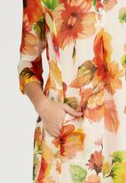 AMANDA LAIRD CHERRY - Lungro Front Pleat Shirt Dress Orange