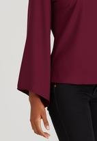 c(inch) - Bell Sleeve Blouse Red