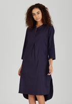 AMANDA LAIRD CHERRY - Linen Lungro Front Pleat Shirt Dress Navy