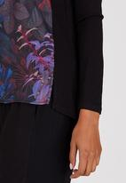 Marique Yssel - Winter Leaf Combo Printed Top Black