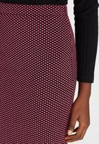 Girls on Film - Textured Pencil Skirt Dark Pink