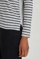 Levi's® - Long Sleeve Relaxed Tee  Grey